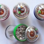 1 GRINDER POLINATOR MOULIN A TABAC CASINO JEUX 3 PARTIES